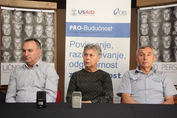 """ISTINOM DO POMIRENJA: Predstavnici udruženja žrtava rata potpisali """"Platformu za mir"""", pozvali mlade da teret prošlosti ne nose na svojim leđima"""