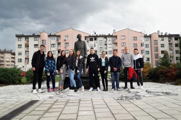 Učenici iz Tuzle posjetili kolege u Istočnom Novom Sarajevu: Mladi treba da razmišljaju svojom glavom
