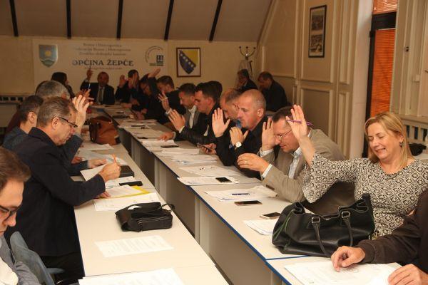 """PUT KA POSTIZANJU ČVRŠĆEG I STABILNIJEG MIRA: """"Platforma za mir"""" usvojena u Općinskom vijeću Žepče"""