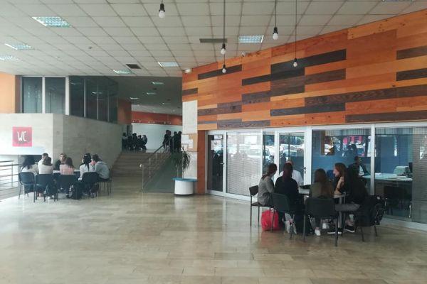 """""""Živa biblioteka"""" u Banjaluci: Rat nije romantična priča sa TV ekrana"""